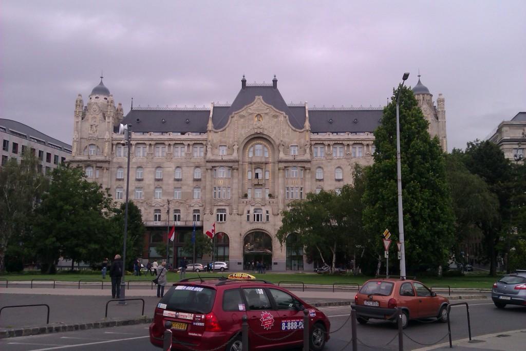 Paseando por el centro de Budapest, Hungría, 2012