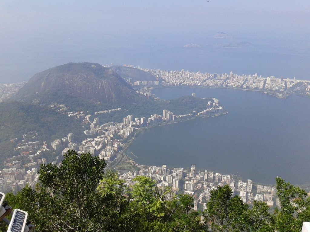Vistas de Rio de Janeiro desde el Cristo de Corcovado, Brasil, 2014