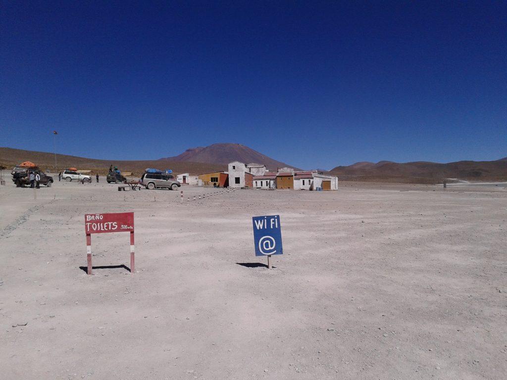 Hotel y restaurante en Laguna Hedionda, Uyuni, Bolivia, 2014 | rominitaviajera.com