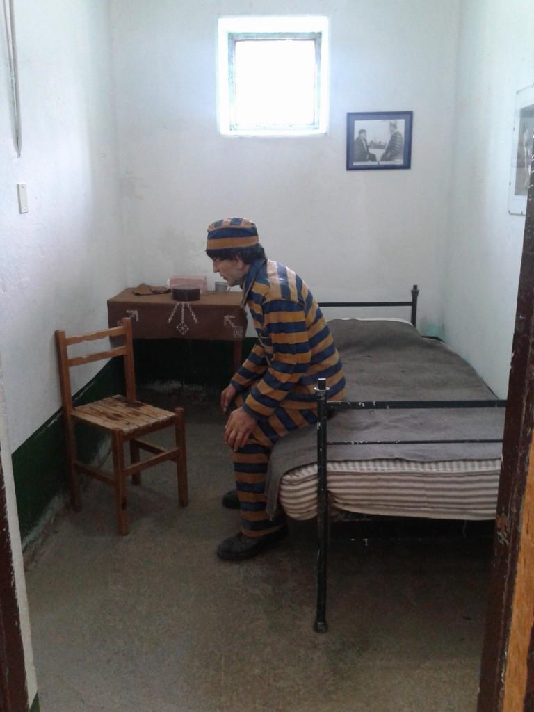 Estatua de un preso, Penal de Ushuaia, Tierra del Fuego, noviembre 2014 - viajarcaminando.org
