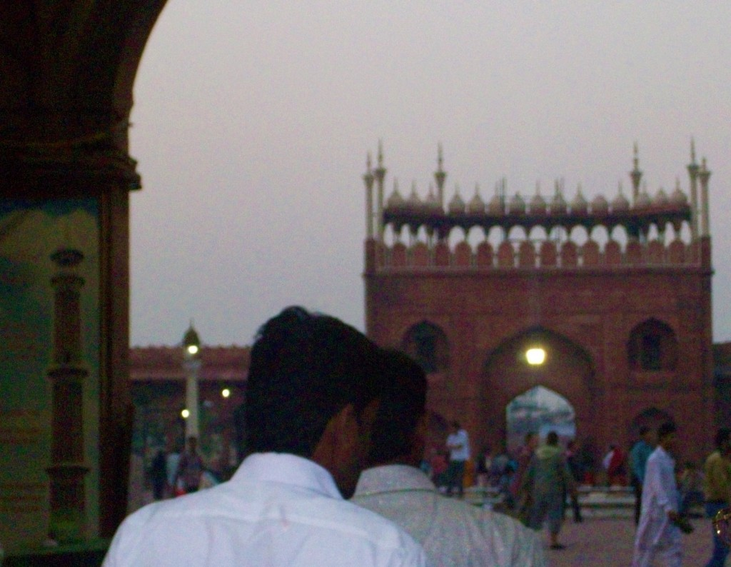 Entrada a la Mezquita más grande de la India, Delhi, India 2014