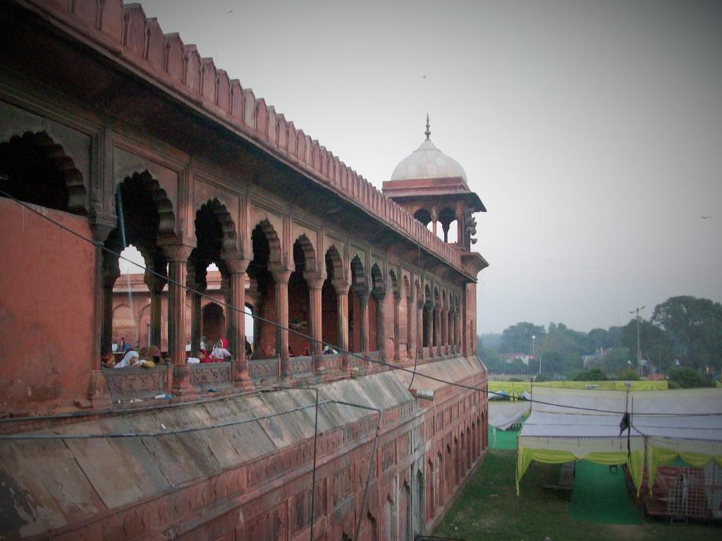 Lateral de la Mezquita Jama Masjid, Delhi, India, 2014