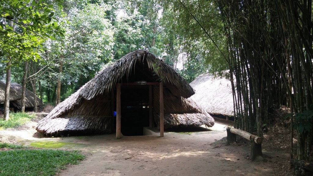 Accesos a túneles de Cu Chi, Vietnam