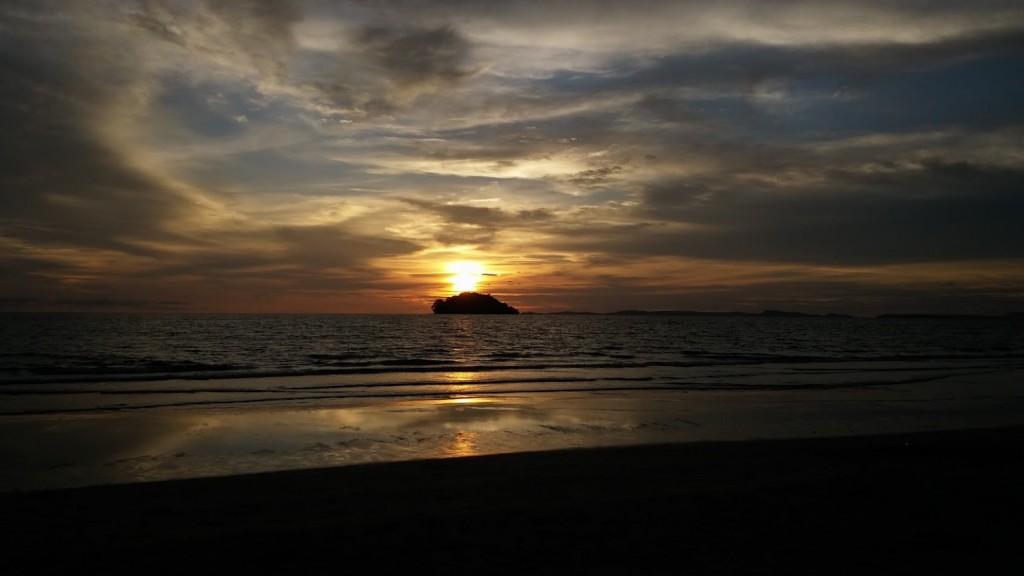 Atardecer en Odres Beach, Suhanoukville, Camboya, Octubre 2015