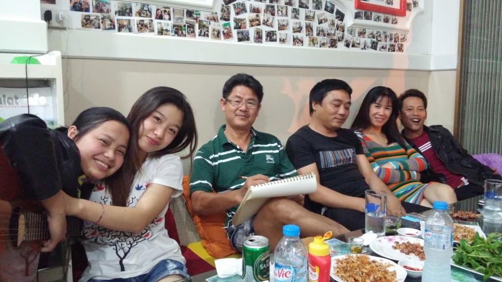Con la familia de Lin en el hotel, Dalat, Vietnam, 2015