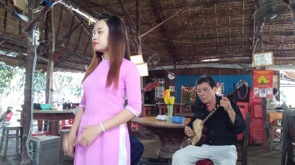 Música tradicional vietnamita, Isla del Mekong River, Vietnam, 2015