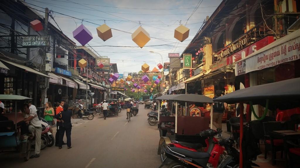 Calle de los Pubs o Pub Street, Siem Reap, Camboya, Octubre 2015