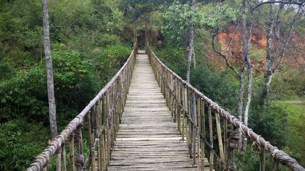 Puente colgante, Poblado Cu Lan, Dalat, Vietnam, 2015
