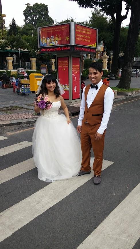 Vietnamitas recién casados, Ho Chi Minh, Vietnam, viaje 2015