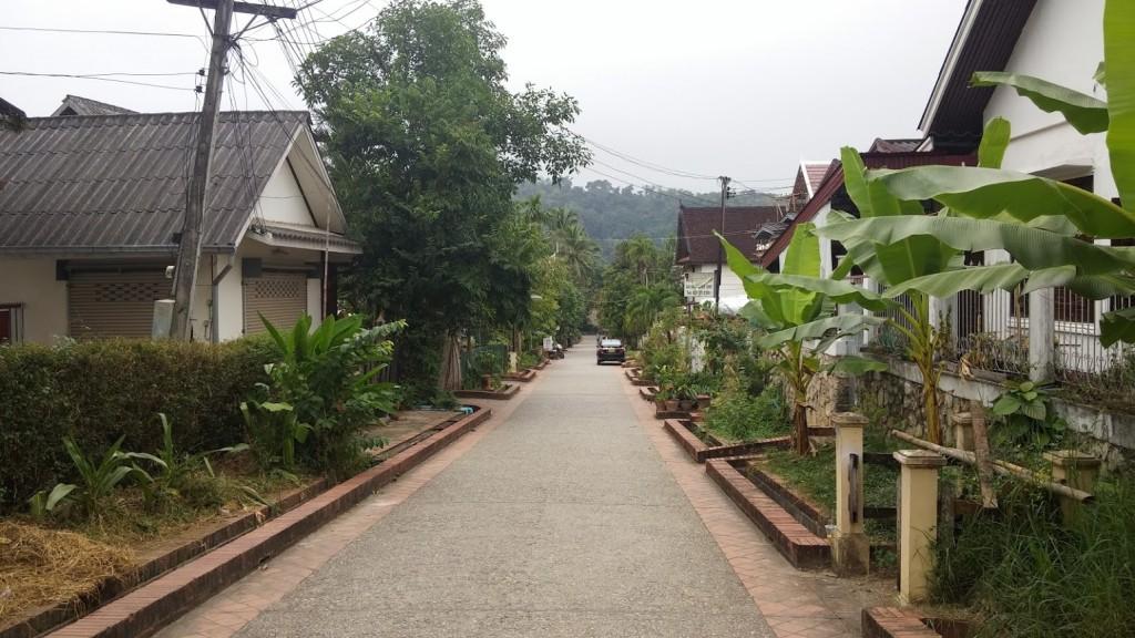 Calle tranquila, Luang Prabang, Laos, 2015