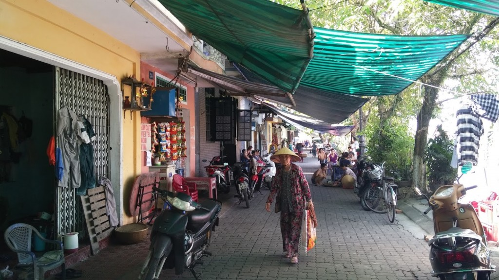 Caminando por los alrededores de la ciudadela, Hué, Vietnam, 2015