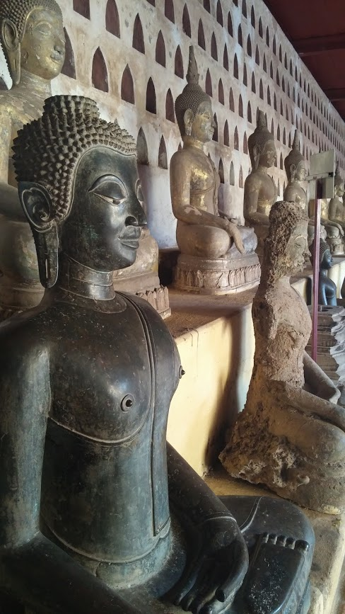 Colección de Budas, Templo Sisaket, Vientiane, Laos, 2015