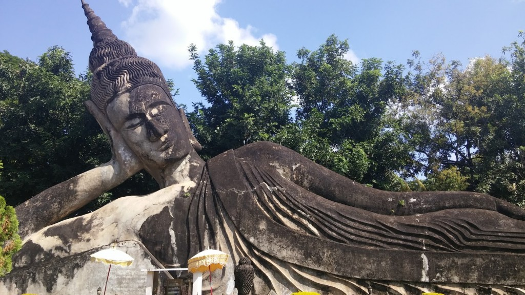 Estatua Buda acostado, Parque Buda, Vientiane, Laos, 2015