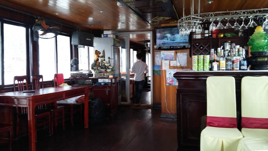 Interior del Crucero, Bahía de Halong, Vietnam, 2015