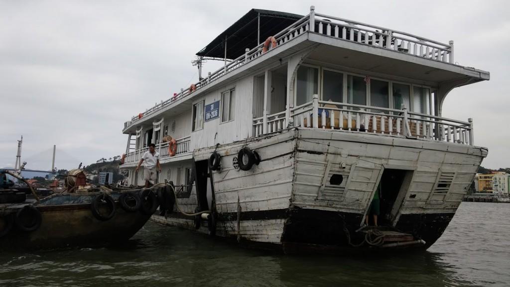 Lemon Cruise, barco donde pasamos la noche, Bahía de Halong, Vietnam, 2015
