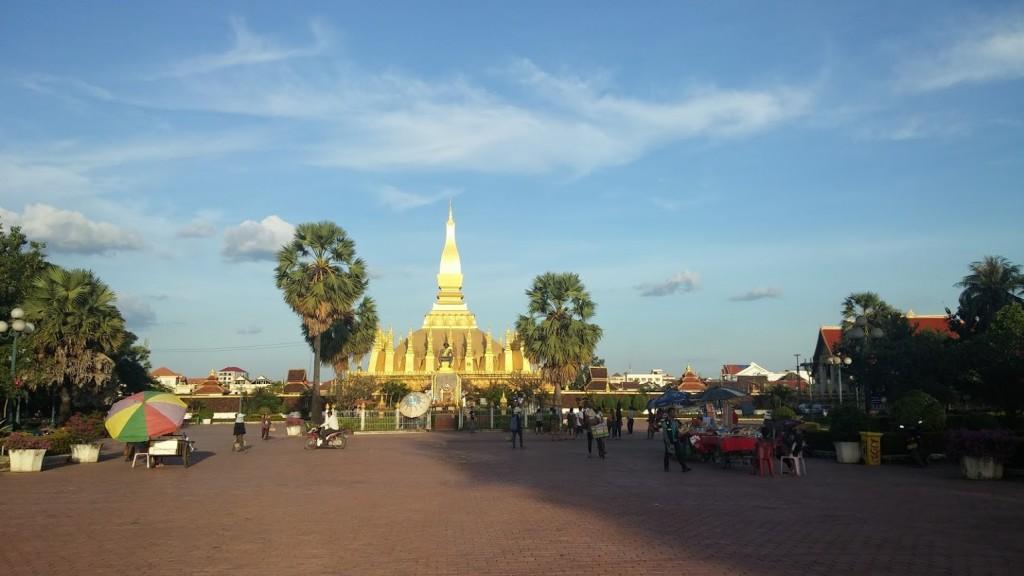 Pha That Luang o Gran Stupa, Vientiane, Laos, 2015