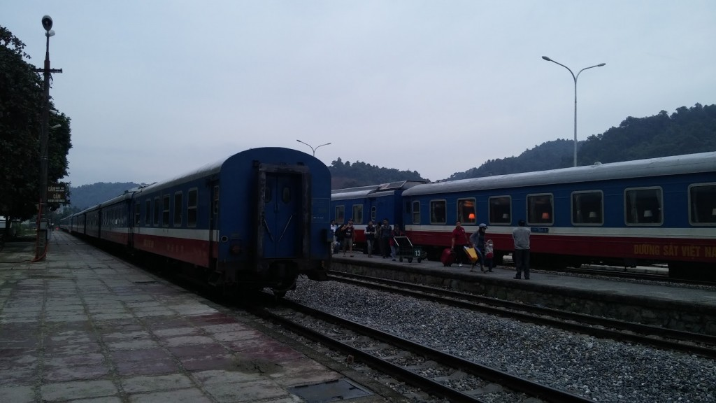 Tren en Lao Cai, cerca de Sapa, Vietnam, 2015