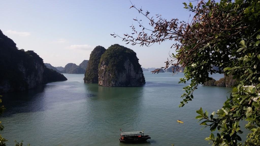 Vista de la Bahía de Halong, Vietnam, 2015