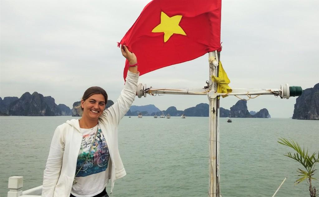 @rominitaviajera en Bahía de Halong en Vietnam, 2015