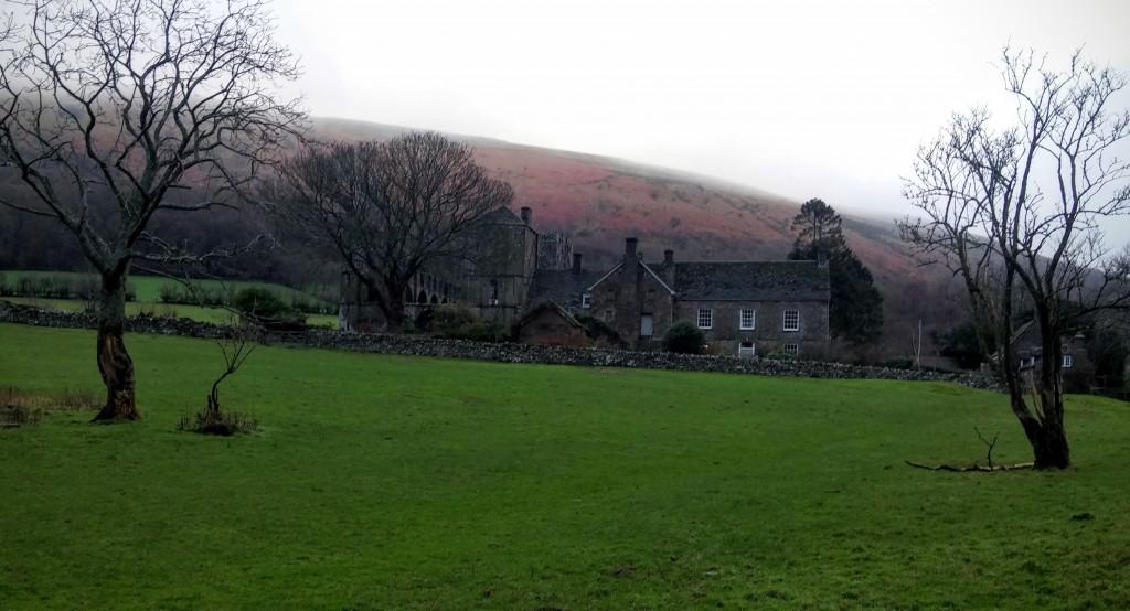 Alrededores del Priorato de Llanthony, Gales, Reino Unido, enero 2016