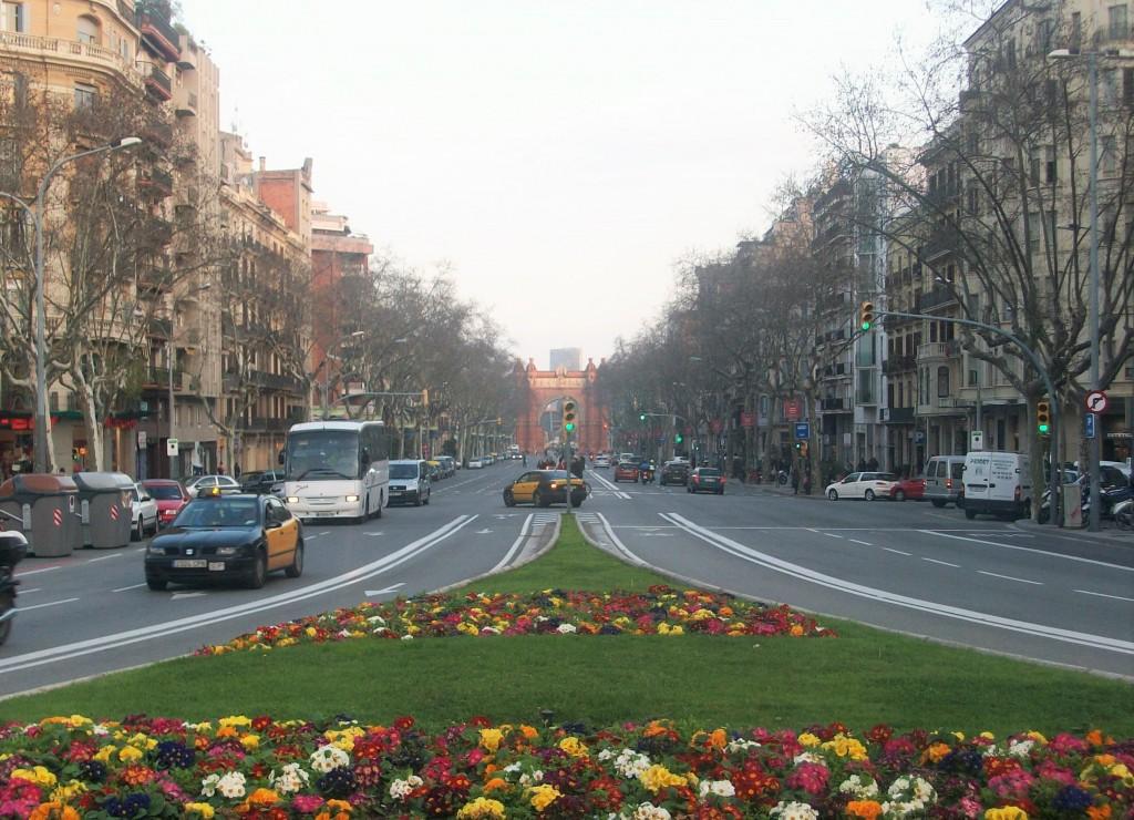 Arco del Triunfo al fondo, Barcelona, marzo 2011