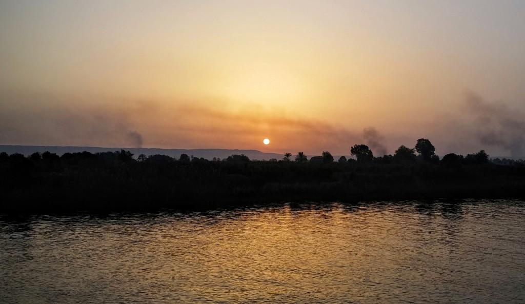 Atardecer en el río Nilo, Egipto, marzo 2016 | viajarcaminando.org