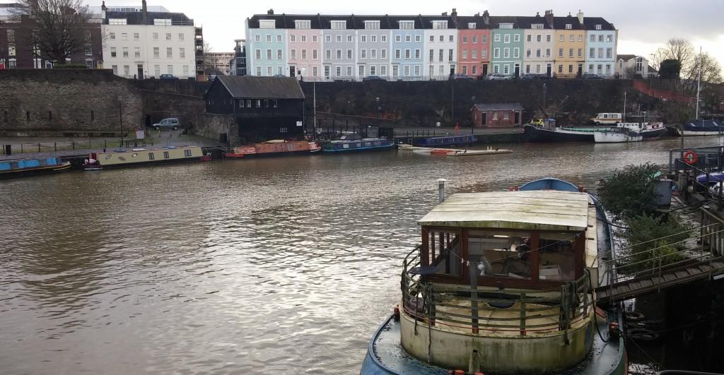 Paseo junto al río, Bristol, Inglaterra, enero 2016