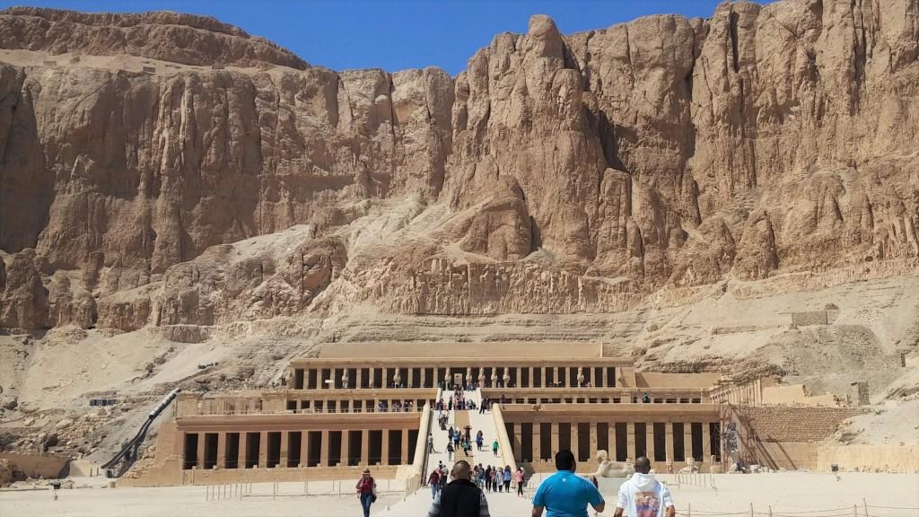 Templo de Hapsetsut, Luxor, Egipto, marzo 2016 | viajarcaminando.org