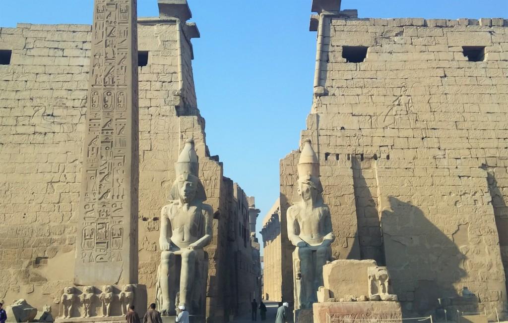 Templo de Luxor, Egipto, marzo 2016 | viajarcaminando.org