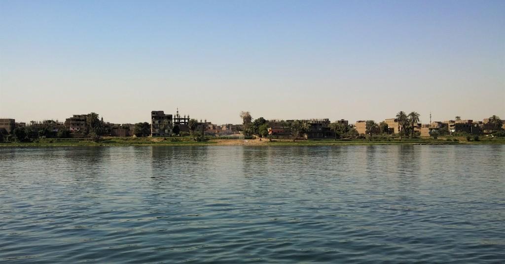 Vistas del Nilo desde el balcón del Crucero, Luxor, Egipto, marzo 2016