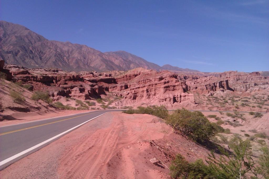 Ruta 68, Salta, Argentina, abril 2013 | viajarcaminando.org