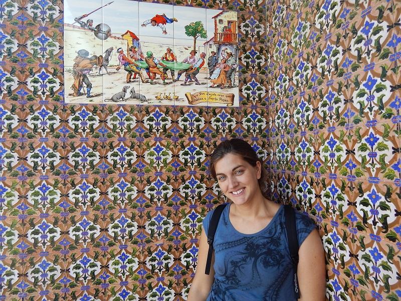 @rominitaviajera en un rincón de Toledo, España, verano 2013   viajarcaminando.org