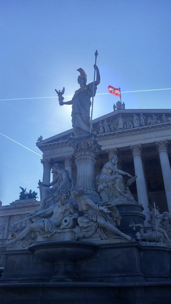 Parlamento, Viena, Austria, junio 2016 | viajarcaminando.org