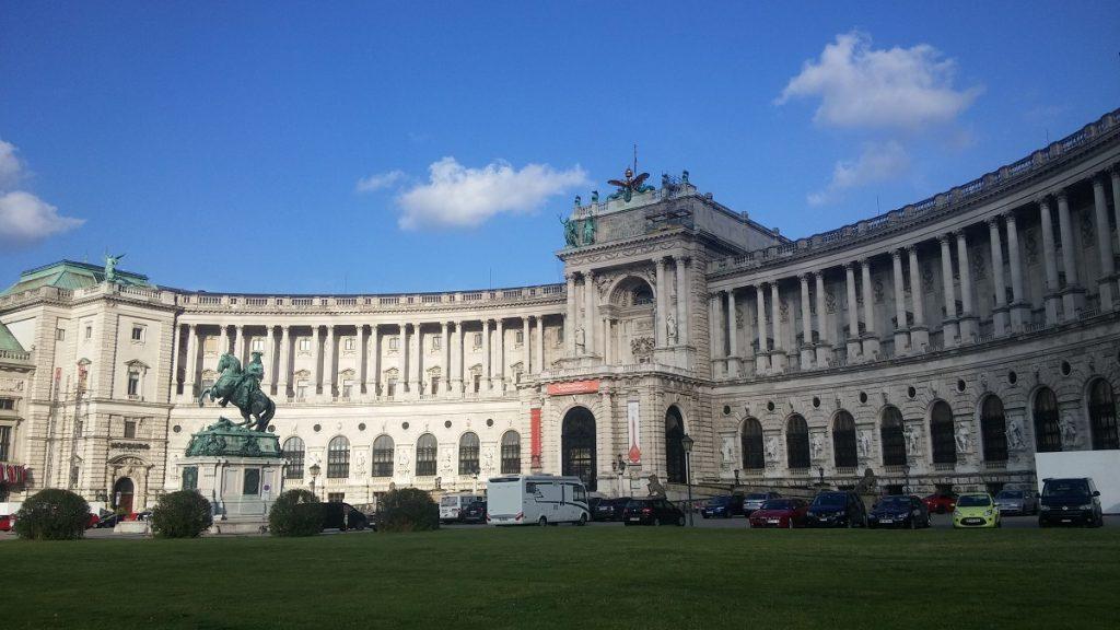 Palacio Hofburg, Viena, Austria, junio 2016 | viajarcaminando.org