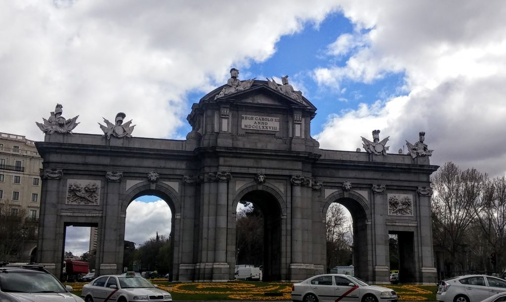 La Puerta de Alcalá, Madrid, España, 2016 | viajarcaminando.org