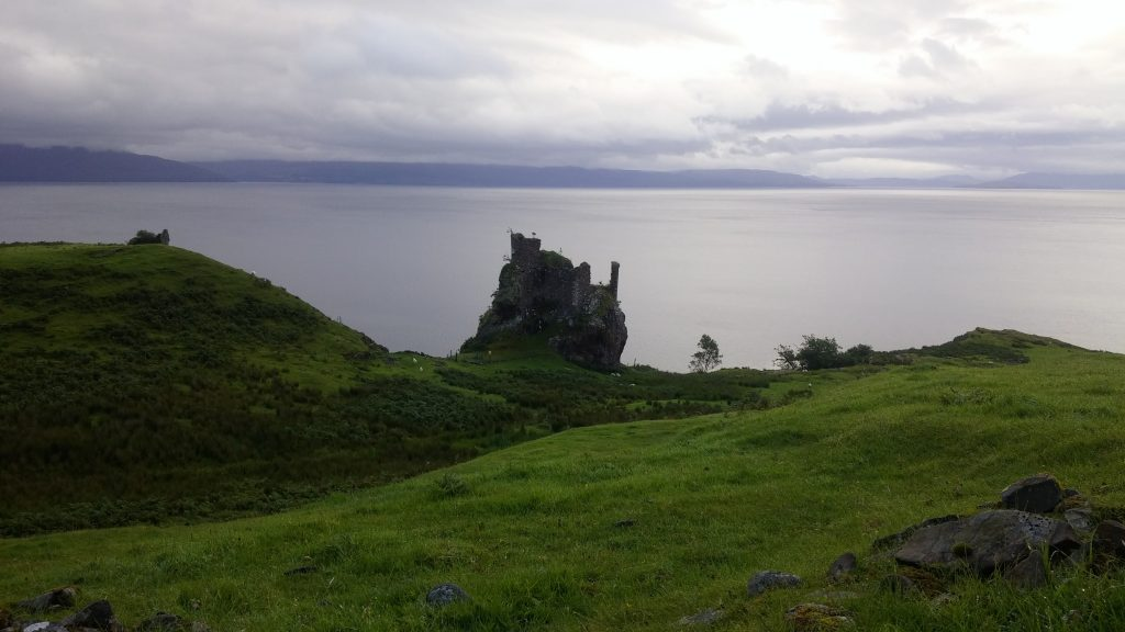 Castillo de Brochel, Isla de Raasay, Escocia, agosto 2016 | viajarcaminando.org