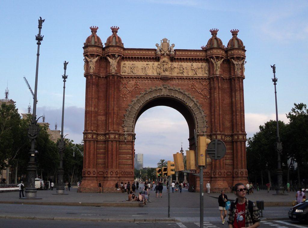 Arco del Triunfo, Barcelona, 2013 | viajarcaminando.org