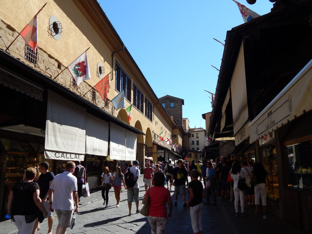Comercios sobre el Ponte Vecchio, Florencia, Italia, 2013 | rominitaviajera.com