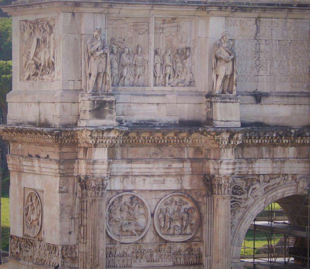 Detalle del Arco de Constantino, Roma, Italia, 2013 | viajarcaminando.org