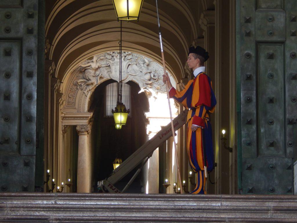 Guardia Suiza, El Vaticano, 2013 | viajarcaminando.org