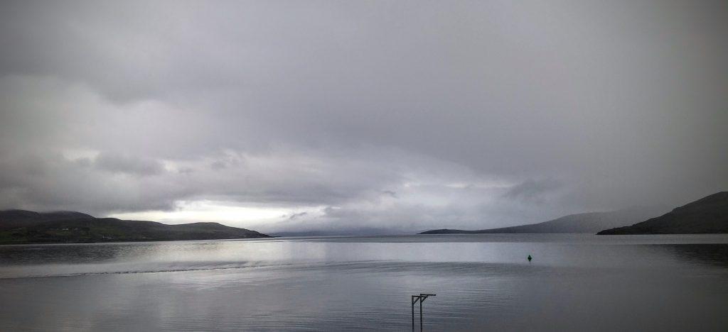 Vistas desde el ferry, Isla Skye, agosto 2016 | viajarcaminando.org