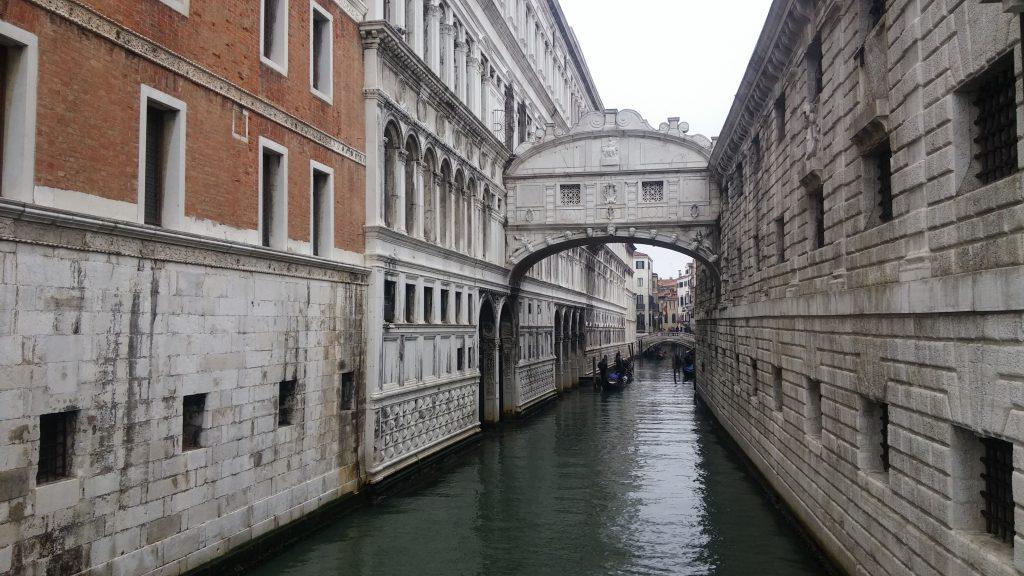Puente de los Suspiros, Venecia, Italia, 2016 | rominitaviajera.com
