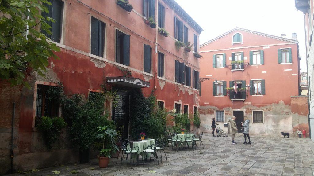 Barrio frente a la Estación Santa Lucía, Venecia, Italia, 2016 | rominitaviajera.com