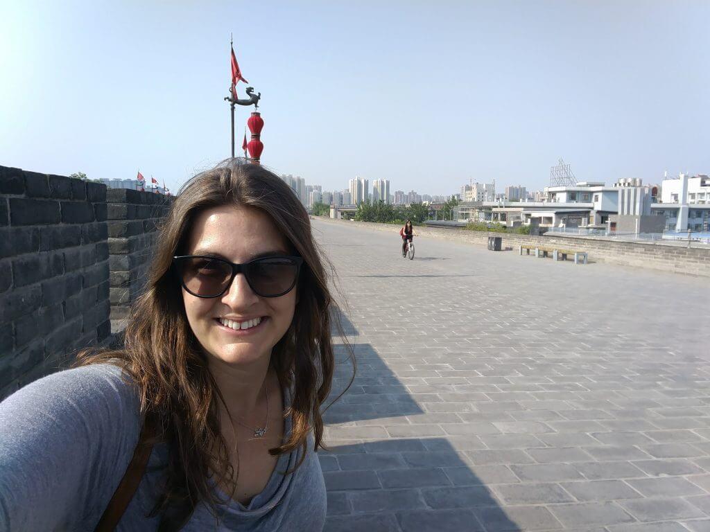 @rominitaviajera en la muralla de la ciudad de Xian, China, 2017